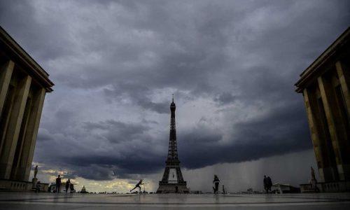 Pariz : Evo zbog čega je bilo čudnog mirisa u vazduhu pre dva dana