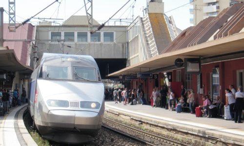 """Francuska : Naoružan nožem, vikao """"Allahu Akbar"""" i pretio u vozu (TGV) a onda napravio haos u stanici policije"""