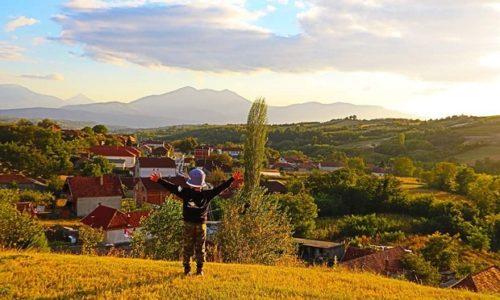 (VIDEO)Šta znači reč sreća za jedno dete sa Kosova i Metohije?