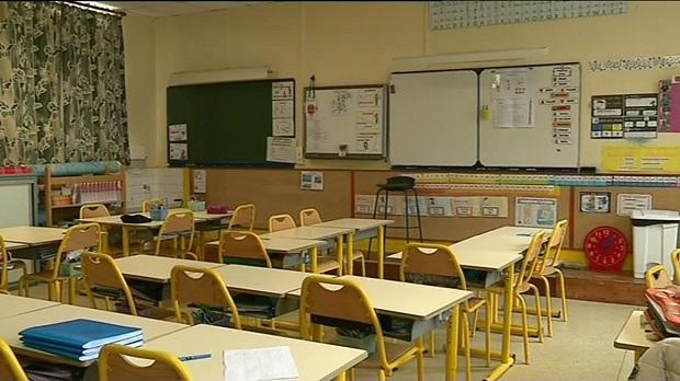 Francuska : Za letnji raspust, đaci će učiti a neki će i u školu