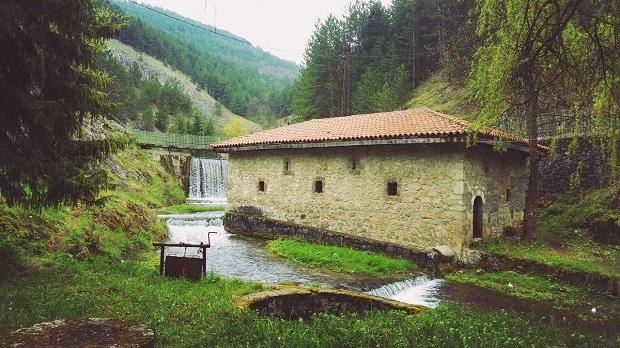 Le vol au Monténégro a commencé: un moulin appartient à l'église serbe, vieux de 500 ans, est vendu à Pljevlja