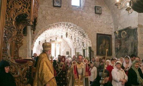 Le roi Milutin a construit 40 monastères  et l'un est AU COEUR DE JÉRUSALEM: Pour la fête de Saint Sava, la liturgie est en SERBE