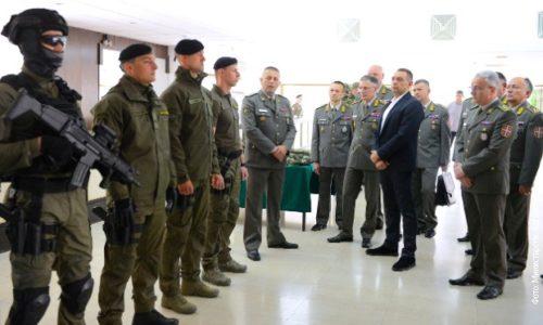 L'armée serbe devient de plus en plus forte