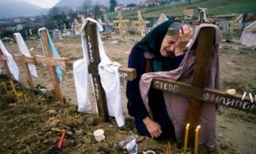 Hommage aux Serbes tués à Podrinje (Bosnie) dans les années 90