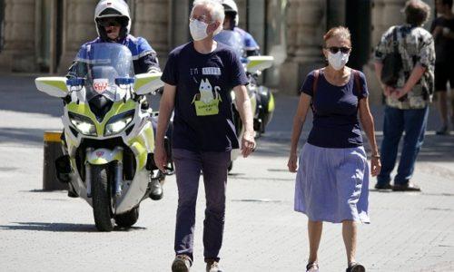 Francuska : Zbog jakog drugog talasa u nekim zemljama Evrope, struka traži obavezno nošenje maski