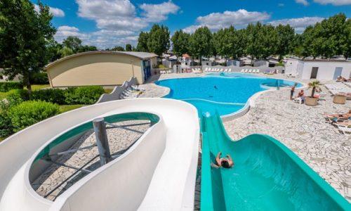 Francuska : Tragedija. Dete se utopilo u bazenu. Kamere sve snimile