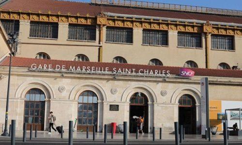 """(FOTO)""""Kolonizovani Afrikanci j*bu Francusku"""": Oskrnavljeni komemorativni spomenici u Marseju"""