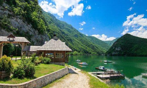 La rive de la Drina est la mer serbe – on vient une fois, on revient toujours