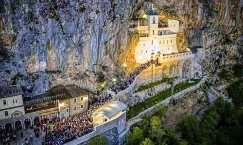 """""""Le monastère d'Ostrog est plus fort que n'importe quelle bombe de l'OTAN et bombe nucléaire"""""""