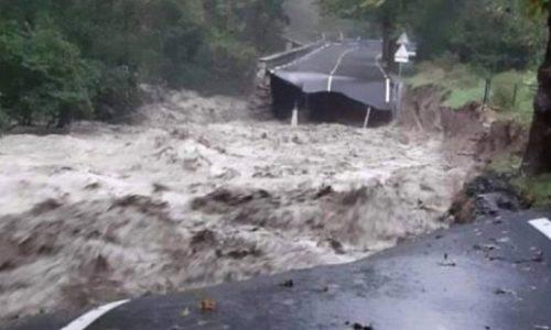 (VIDEO) Užasne poplave na jugu Francuske. 12 osoba se vode kao nestali