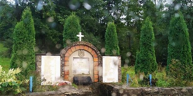 Kosovo et Métochie: Les Albanais ont à nouveau profané un monument dédié aux victimes serbes