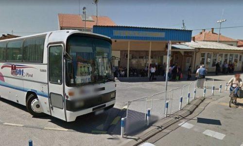 Serbie: La télé est tombée sur sa tête alors qu'il voyageait en bus