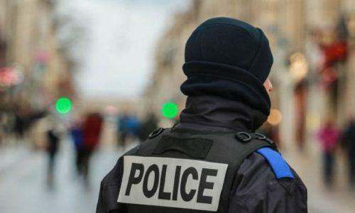 Francuska: UŽAS. Na ulici odrubio glavu nastavniku zbog karikature