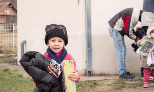 (FOTO)SJAJNO. STIGLA POMOĆ IZ FRANCUSKE ZA SRBE NA KOSOVU I METOHIJI