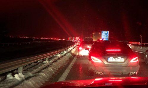 (VIDEO)Nezapamćene gužve prema Srbiji. Srbi blokirani na hrvatskoj granici