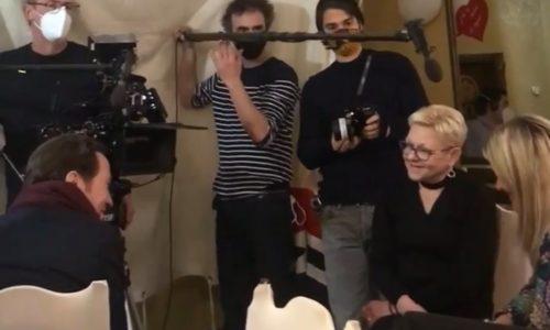 """(FOTO)Pariz: Snimljena scena """"srpsko veselje"""" za film """"Les Promesses"""""""