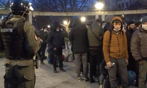 (VIDEO)Serbie: Les migrants doivent être dans des camps. La police a réagi cette nuit